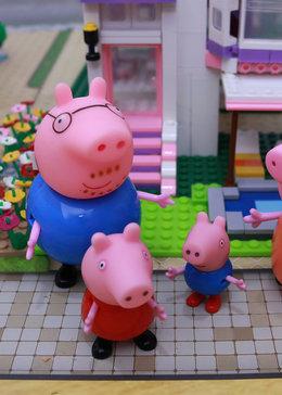 小豬佩奇玩具秀