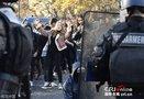 巴黎民众街头抗议大学录取制度改革