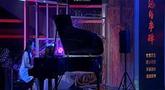 钢琴现场独奏抗战题材歌曲