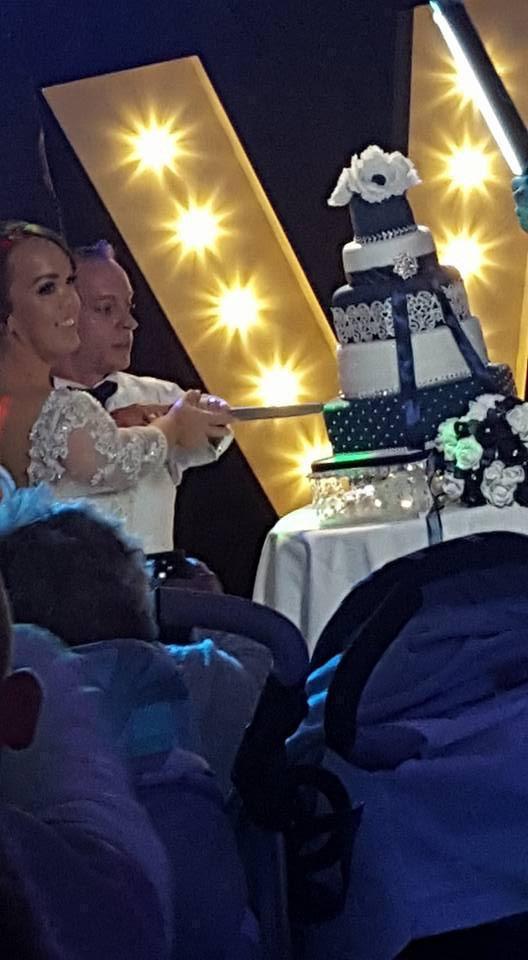 最矮夫妻办婚礼 两人身高加起来不足两米 - 双梅 - 张静华
