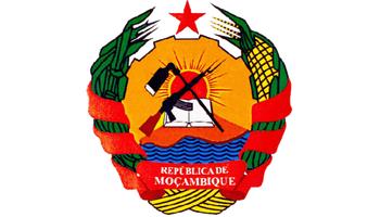 圆面上有打开的书本,莫桑比克国徽ak-47步枪和锄头图案,寓意同国旗;下图片