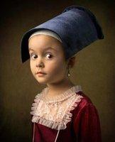 这个大家应该认识,《戴珍珠耳环的少女》