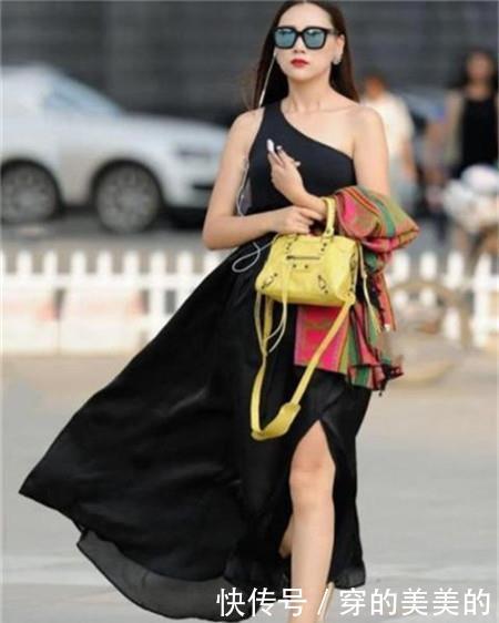 路人街拍,身材圆润的小姐姐,唯美的穿搭很动人,让人心动的感觉