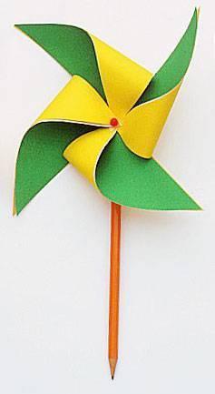 简单手工纸风筝的制作方法(图片上的风筝)