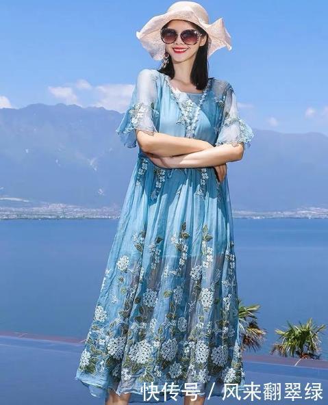 精致的中年女人,都有这几款连衣裙,端庄大方显气质