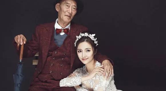 女孩和病重爷爷拍婚纱照:让他看到最美的我