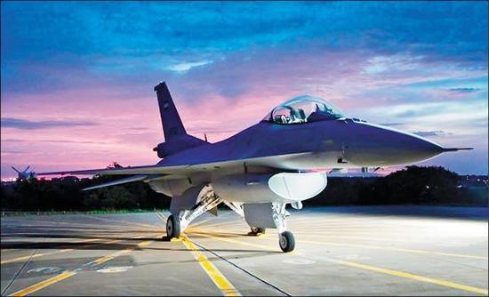台军高官被问F16能够匹敌歼20 答:绝对可以