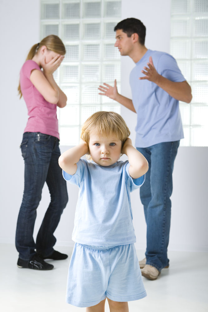 吵架的父母与小孩 图片素材