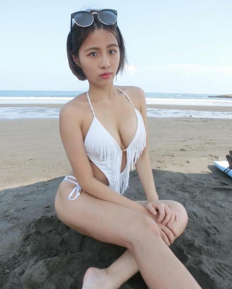 台湾美女球迷晒私照.