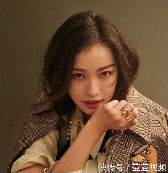 高清镜头抓拍明星脸:刘涛滑如镜,杨幂沟惊人!