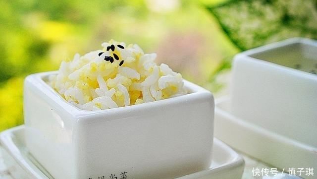 天天吃也不怕胖,古法蒸米饭,脱糖脱脂,喷香软糯,还有粥喝
