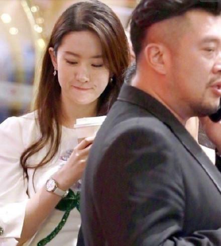 刘亦菲喝咖啡美照曝光