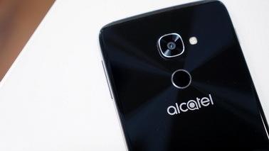 Win10旗舰阿尔卡特Idol 4S定于11月10日开卖 支持VR