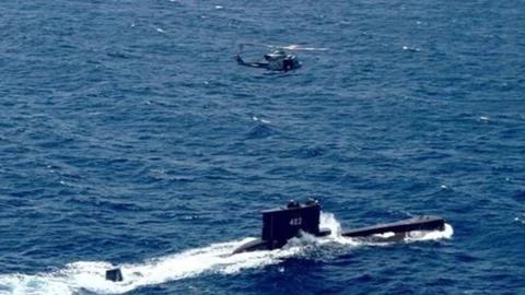 """印尼潜艇失联53人被困,搜寻人员发现水下有""""强磁性""""不明物体"""