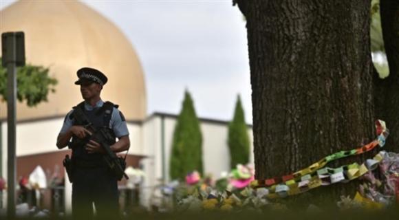 新西兰枪击案8天后 努尔清真寺重新开放