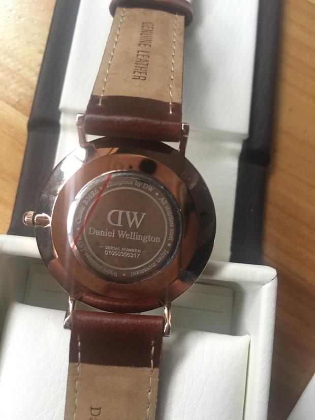求大神鉴定dw手表真假