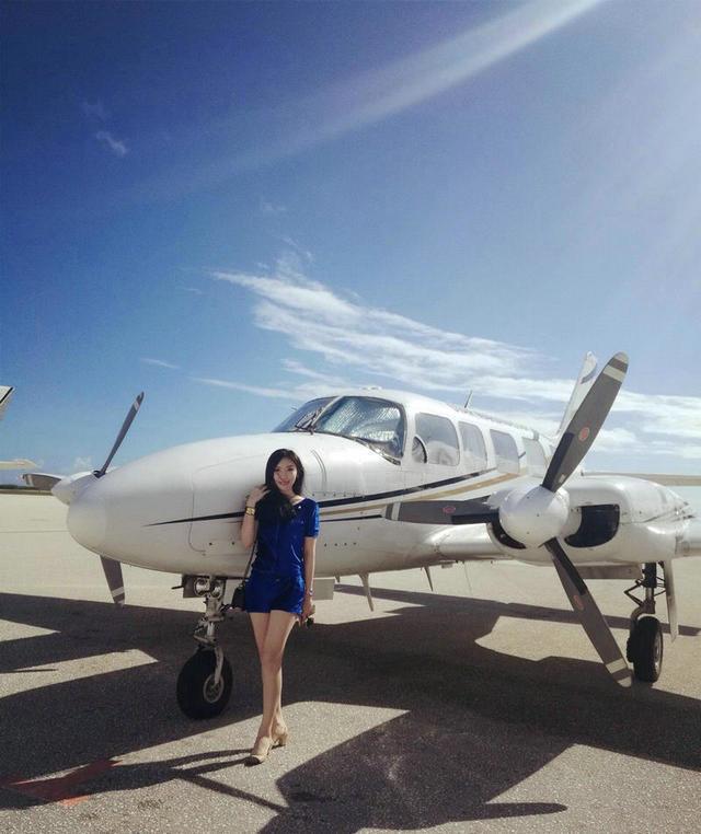 转:飞机+豪车+娇妻!申花门神诠释完美假期 - 孟宪民 - 书法家孟宪民的博客