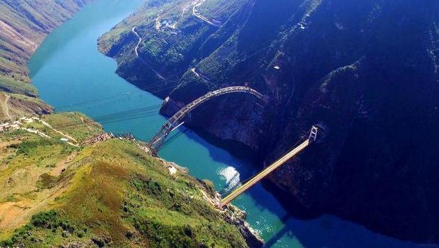 又一世界最高桥成功合龙 中国制造到底有多牛!