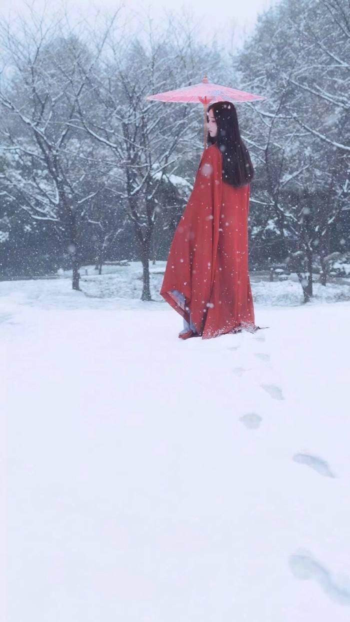 """翡翠也会""""下雪""""了,极品玻璃种雪花棉,却美得倾国倾城!"""