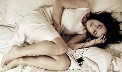 习惯这样睡觉可能会让你截肢