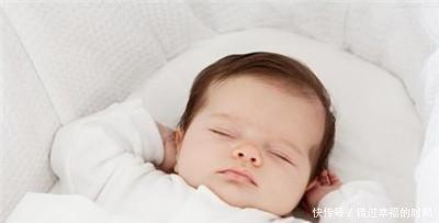 三四个月的宝宝睡觉总是摇头, 难道是缺钙 其中