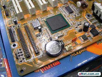 台式电脑主机里面的密码电池是什么养的可给我看看吗
