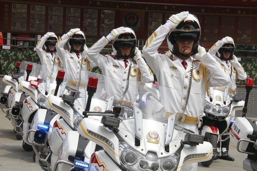 风驰电掣之美:武警国宾护卫队霸气来袭 - 一统江山 - 一统江山的博客