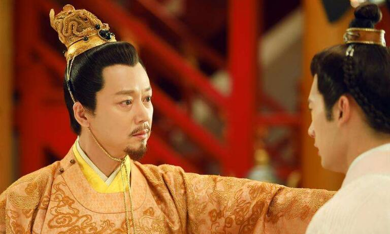 王爷作死侧室:把正妃赶到破庙居住,因穿错衣服被朱元璋处死