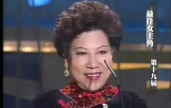 16岁出道,人见人怕,香港恐怖片的鬼婆婆,66岁封最老影后