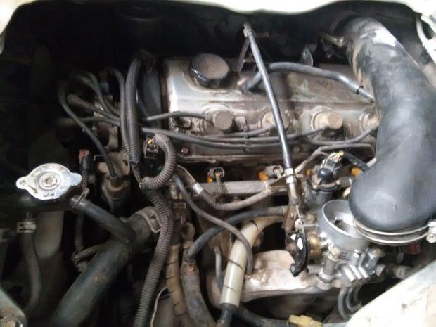金杯4g64三菱发动机,凸轮轴位置传感器在哪个位置?