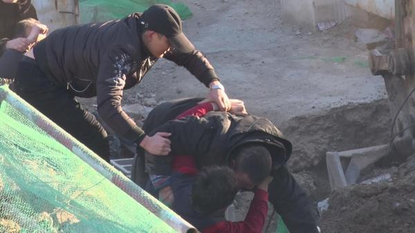 【转】北京时间       中国移动光缆被故意挖断致22个基站瘫痪 群众阻止被打 - 妙康居士 - 妙康居士~晴樵雪读的博客