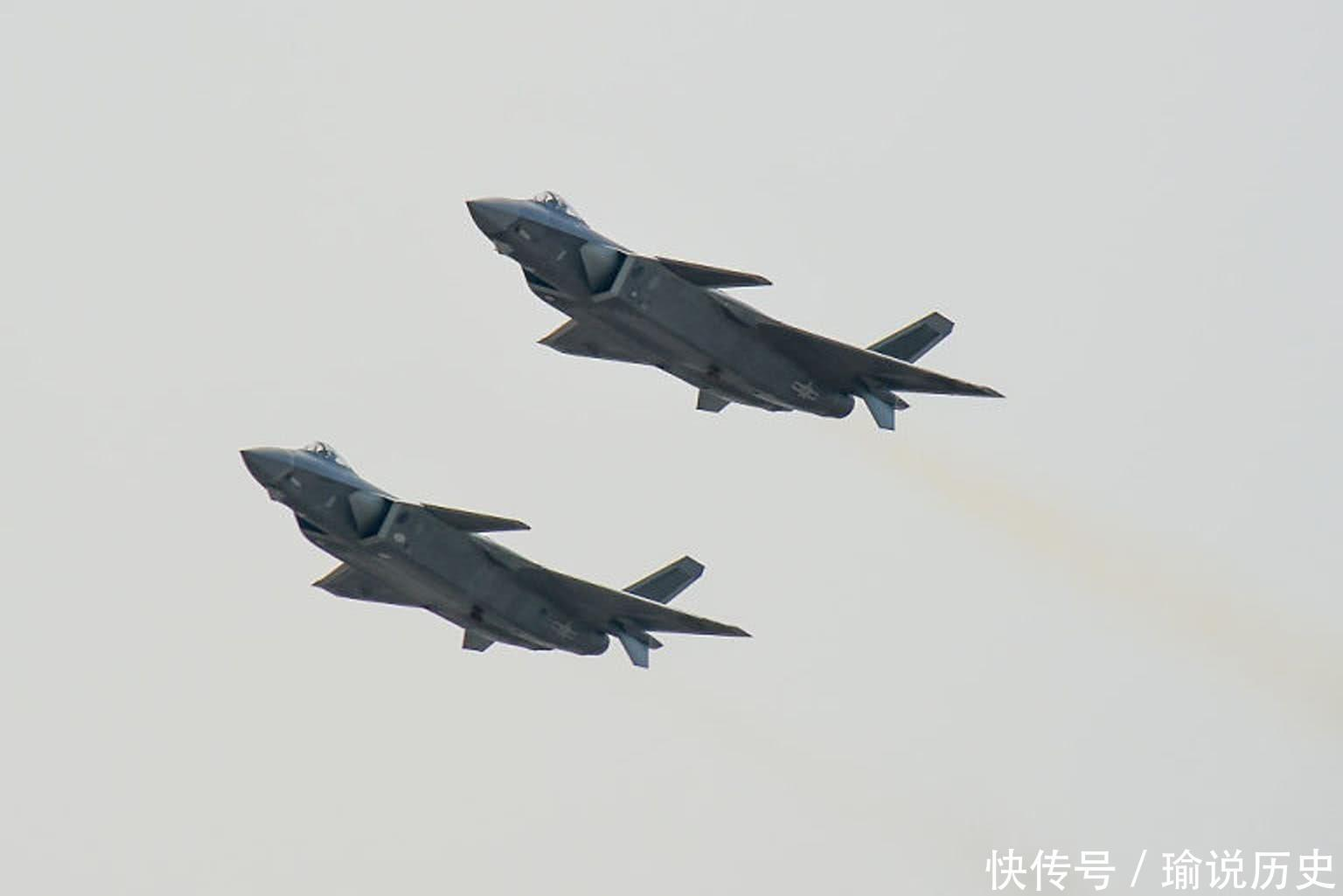 外媒评中国歼-20战斗机 将在其基础上研发多款