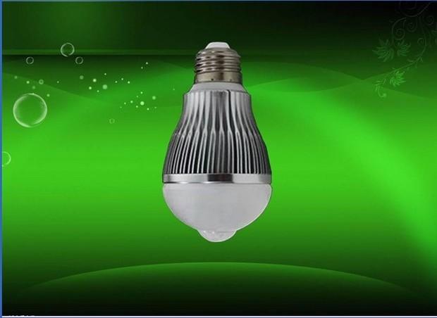 楼道里的声控感应灯是特殊灯泡还是普通灯泡?