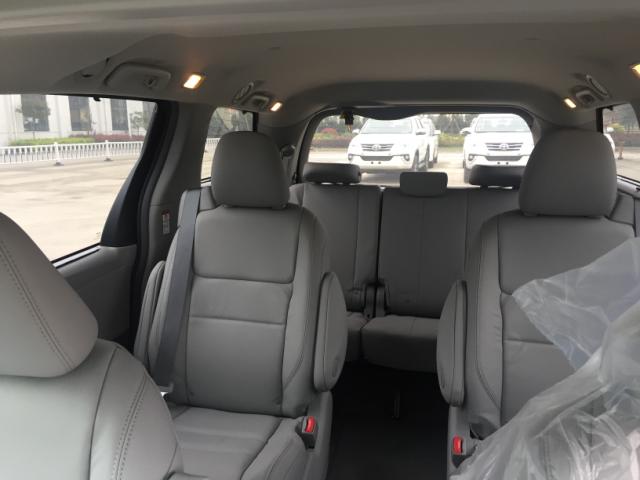 17款丰田塞纳大空间MPV报价限量版保姆车