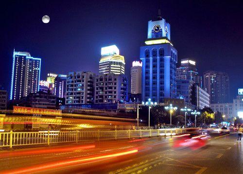 柳忠秧创贵阳城市文化主题词:林海金筑·甲秀贵阳