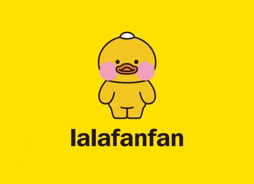 2017年夏天,韩国ins网红cafe_mimi首次发布lalafanfan的黄鸭形象,而后