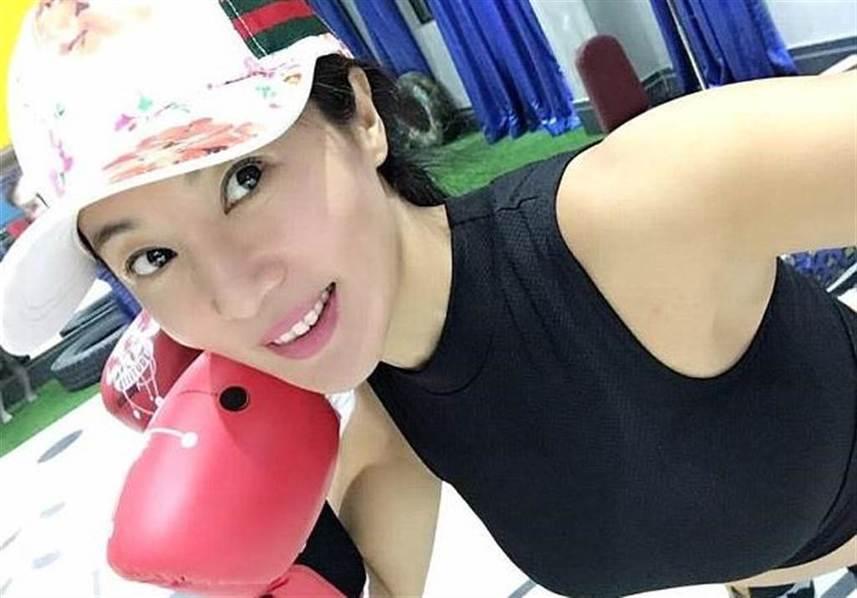 【图片新闻】50岁辣妈酷似少女 害儿子一直单身 - 耄耋顽童 - 耄耋顽童博客 欢迎光临指导