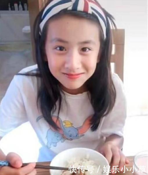田亮11岁女儿森碟近照变化大撞脸黄圣依,对镜头甜笑饭量惊人
