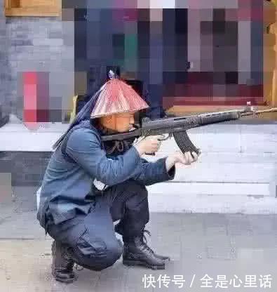 小孩子都能看懂的穿帮镜头,鬼子打仗开敞篷跑车,大清就有冲锋枪