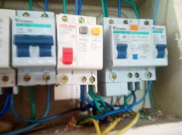 家庭电路空气开关一直跳闸怎么办?