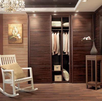 卧室衣柜装修效果图:高贵典雅的实木设计