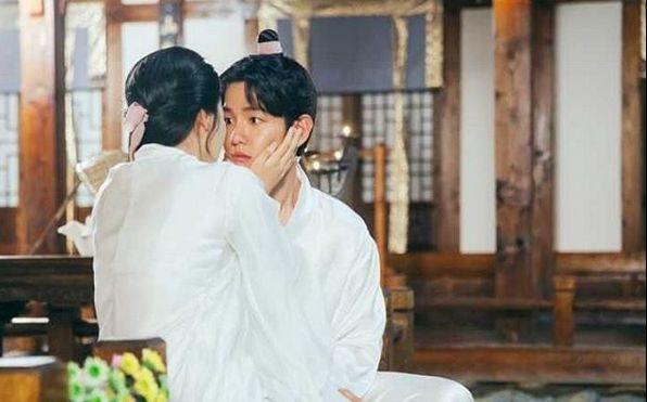 《步步惊心:丽》韩版第15集&边伯贤-十皇子夫妇cut2@伯贤的挑眉杀敢问几个受的了!》