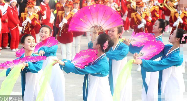 朝鲜艺术团面向韩国市民表演一幕