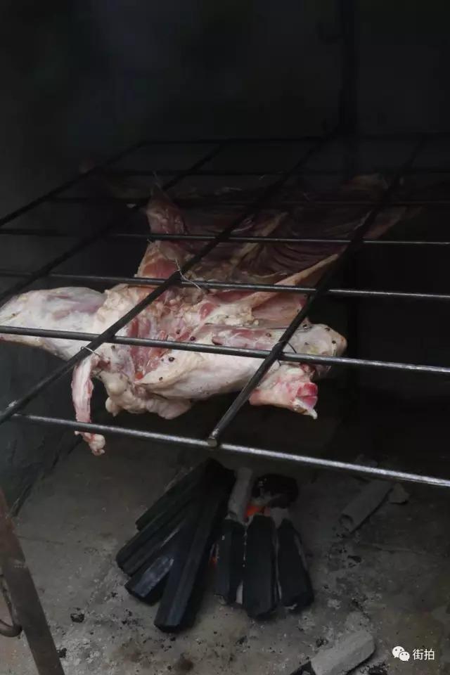 [转载]【街拍美食】:烤全羊,看了就流口水! - 烟圈 - 烟圈的博客