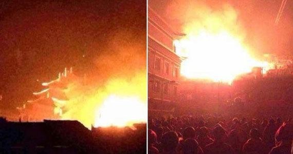 四川色达县五明佛学院发生火灾 已烧毁10余间僧舍