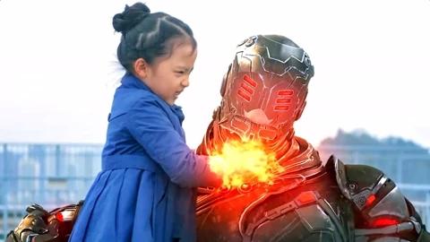 小女孩拥有火系超能力,即使敌人身穿战斗铠甲,也能打出暴击伤害