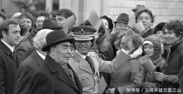 卡扎菲生前与苏联关系很铁,为何利比亚战争期