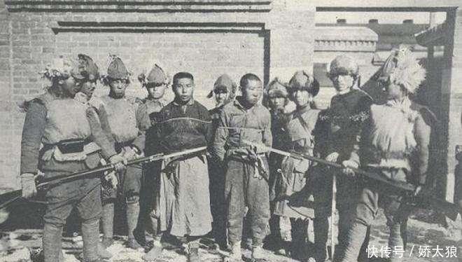 抗战时南京13天陷落,而重庆却坚守6年不破,原因只有4个字