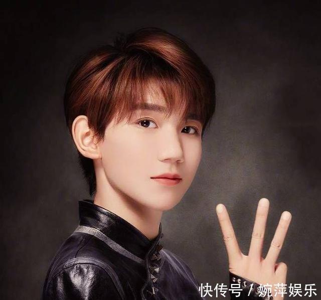 王源头发有多厚在新广告宣传片里,他头发竟然能藏下一