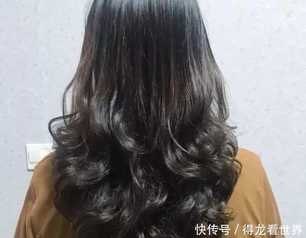2019烫送给尾是发型,30款完成主流流行你!烫烫发龙名字什么发型叫的图片